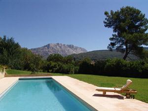 Location de villa avec piscine aix en provence maison for Camping aix en provence avec piscine